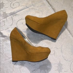 Qupid Mustard Yellow Wedges